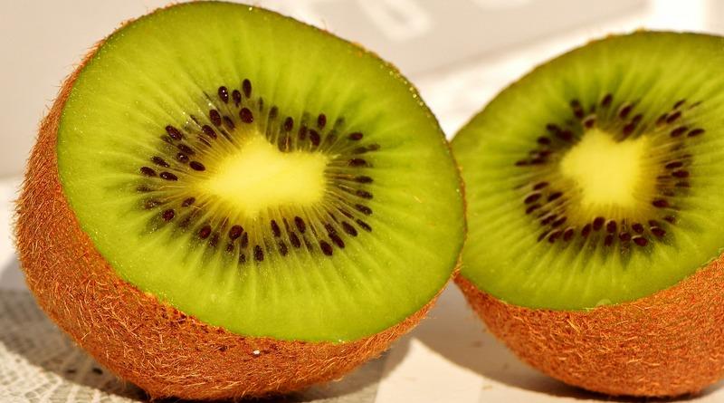kiwi the minutes fly - web magazine